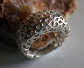 Voronoi ladies ring