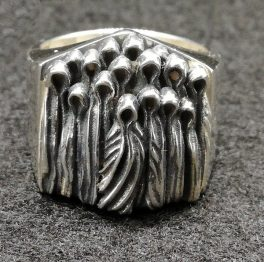 Creepy ghost ring